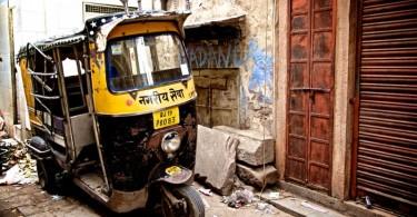 Varanasi-Tuk-Tuk-ride-003-800x533
